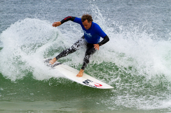 Tom-Curren-sliding-the-tail-at-the-recent-Belmar-Pro